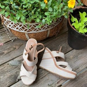Ladies Size 8 sandals by Chinese Laundry